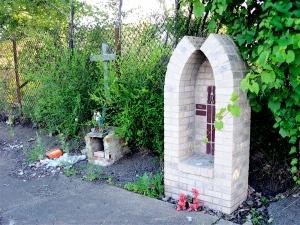 Brick Shrines_0397
